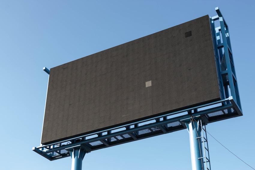 Solicita precios de vallas publicitarias en Maysa